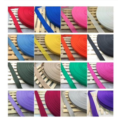 heijastava ostoskassi värikkäillä nauhoilla