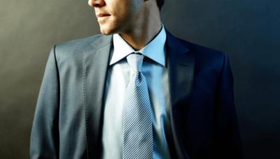 Italialaiset silkkihuivit ja -solmiot omalla kuosilla